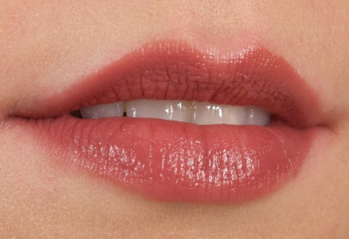 Bobbi-Brown-Rosy-Lip-Sheer