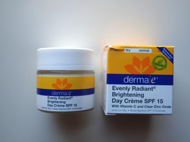 derma e evenly radiant brightening day cream